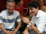 Thủ tướng Canada thưởng thức cà phê vỉa hè Sài Gòn