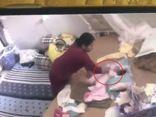 Người giúp việc bạo hành bé gái đối mặt với hình phạt nào?
