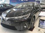 Toyota Corolla Altis giảm 40 triệu đồng: Ô tô Nhật giá kịch sàn chờ mùa Tết