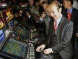 Tỷ phú sòng bạc Ma Cao Stanley Ho nghỉ hưu ở tuổi 96