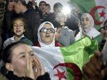 Tổng thống từ chức, người dân Algeria xuống đường ăn mừng