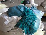 Phát hiện hơn 2 triệu găng tay y tế tái chế chuẩn bị tiêu thụ ra thị trường