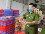 Bắt giữ hơn 2 tấn thực phẩm đông lạnh, bánh trung thu không rõ nguồn gốc xuất xứ