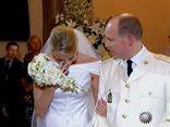 """Cuộc hôn nhân đẫm nước mắt của """"Lọ Lem ngoài đời thực"""""""