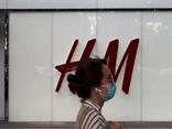 """Tuyên bố """"không mua bông Tân Cương"""", H&M bị dân Trung Quốc đòi tẩy chay"""