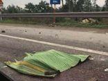 Đang mở cốp xe khách, phụ xe bị ô tô đầu kéo tông tử vong ở Hà Nội