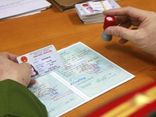 Từ 1/7, điều kiện nhập hộ khẩu Hà Nội, TP.HCM dễ dàng hơn ai cũng nên biết