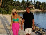 Beyonce và Jay Z bí mật hẹn hò ở bãi biển Caribe