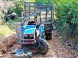 Công nông tuột dốc đè máy cày, 2 người thương vong