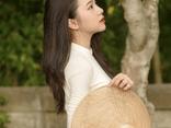 Mê mẩn nữ sinh xứ Nghệ khoe nét đẹp trong trẻo trong tà áo dài trắng tinh khôi