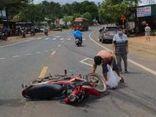 Tin tức tai nạn giao thông mới ngày 11/10: Người phụ nữ bị cán đứt 2 chân sau va chạm xe tải