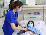 Nữ sinh 15 tuổi rơi vào tình trạng nguy kịch sau khi tự điều trị bằng thuốc nam