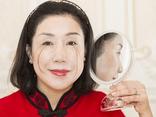 Cộng đồng mạng - Người phụ nữ có bộ lông mi dài nhất thế giới, tự phá kỷ lục của chính mình