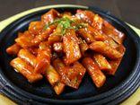 Cách làm tokbokki bằng cơm nguội, món ăn đang khiến cộng đồng mạng
