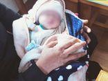 Vụ bé sơ sinh còn nguyên dây rốn bị bỏ rơi trước cổng nhà dân: Không có giấy tờ nào kèm theo