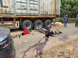 Va chạm với xe đầu kéo, 2 nam sinh ở Hòa Bình tử vong thương tâm