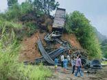 Tin tức tai nạn giao thông ngày 23/7: Xe đầu kéo bốc cháy trên đèo, tài xế tử vong thương tâm