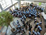 200 cảnh sát Hong Kong đột kích trụ sở, bắt giữ tổng biên tập tờ Apple Daily