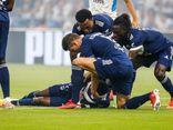 Kinh hoàng tiền đạo Ligue 1 đột quỵ ngay trên sân trong lúc thi đấu