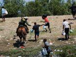 Hình ảnh lính biên phòng Mỹ quất roi ngựa vào người di cư gây phẫn nộ