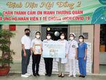 Kinh doanh - Vinamilk trao tặng 50.000 sản phẩm Vinamilk ColosGold cho con em cán bộ y bác sĩ tuyến đầu