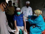Tin thế giới - Hãng dược Sinovac nói gì về việc 350 nhân viên y tế mắc COVID-19 dù đã được tiêm vaccine?