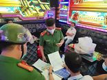 Đà Nẵng: 11 người tụ tập hát karaoke giữa mùa dịch COVID-19