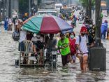 Lũ lụt nghiêm trọng ở Philippines: Hàng nghìn người lội nước rời khỏi Manila sau nhiều ngày mưa xối xả