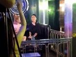 Hương Vị Tình Thân: Lộ clip bà Xuân đi bar, Thiên Nga sắp bị phát hiện