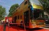 Trung Quốc: Xe buýt hai tầng dát vàng lóa mắt người xem