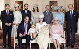Hoàng gia Anh công bố ảnh Công chúa Charlotte trong vòng tay gia đình