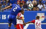 """Chelsea 2-4 New York Red Bulls: Tan tành """"xe bus"""""""