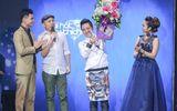 Hoài Lâm chững chạc thể hiện ca khúc tự sáng tác trên sân khấu BHYT tháng 9
