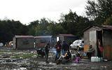 Người nhập cư Việt trốn trong xe đông lạnh ở Pháp