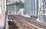Sà lan đâm cầu Bình Lợi, đường sắt Bắc - Nam tê liệt nhiều giờ