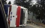 Xe khách đâm xe tải trên đường lên Sapa, 5 người thương vong
