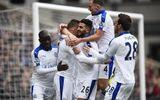 Lại thắng 1-0, Leicester đóng đinh vào ngôi đầu