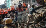 Sập cầu vượt ở Ấn Độ, hàng trăm người thương vong