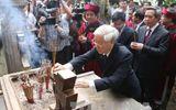 Tổng Bí thư Nguyễn Phú Trọng dâng hương tưởng niệm các Vua Hùng