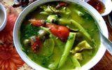 Canh ốc nấu chua, dọc mùng ngon bữa cơm ngày hè