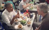 Tổng thống Obama ăn bún chả trên phố cổ Hà Nội