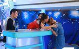 Vietnam Idol: Cô gái Philippines bật khóc khi nhận vé vàng