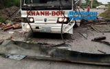 Cận cảnh hiện trường vụ nổ xe khách ở Lào