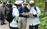 Cha mẹ Nhật Bản trừng phạt con bằng cách bỏ lại trong rừng với gấu lên tiếng