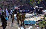 Vụ nổ xe tại Lào làm 8 người chết: Tạm giữ lái xe để điều tra