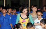 """""""Chị Hằng"""" Nguyễn Thị Liễu mang nụ cười cho trẻ em Hà Tĩnh"""