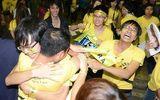 Fan Việt:  Choàng tỉnh giấc sau cơn say thần tượng