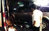 Ô tô 7 chỗ cuốn xe tay ga vào gầm lao vào nhà dân, một người thiệt mạng