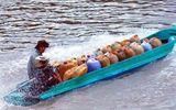 Bắt nhóm đối tượng buôn lậu dầu qua Campuchia
