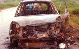 Tài xế taxi Mai Linh bị lột quần áo, đốt xe